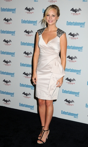 plus HQ photos of Candice at EW's 5th annual Comic Con celebration! [23/07/11]