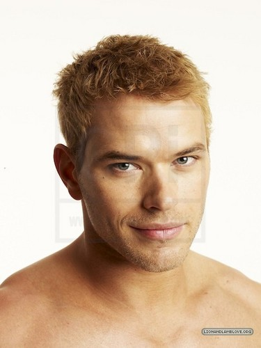 More outtakes of Kellan Lutz for Men's Health