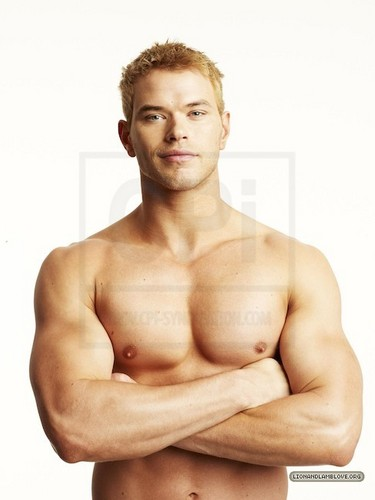 zaidi outtakes of Kellan Lutz for Men's Health