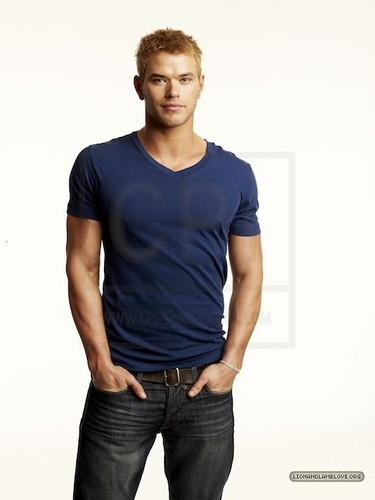 New outtakes of Kellan for Men's Health