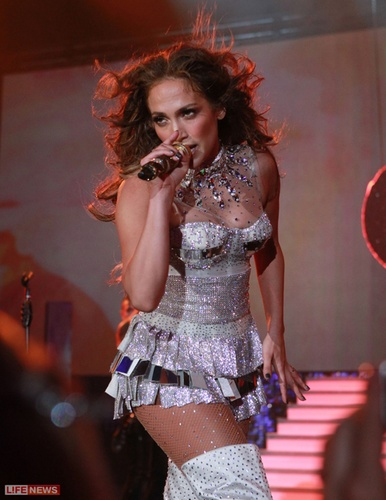 Performs At A Wedding In Ukraine 19 07 2011