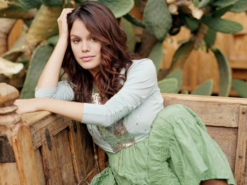 Rachel Bilson wallpaper probably containing an outerwear titled Rachel Bilson