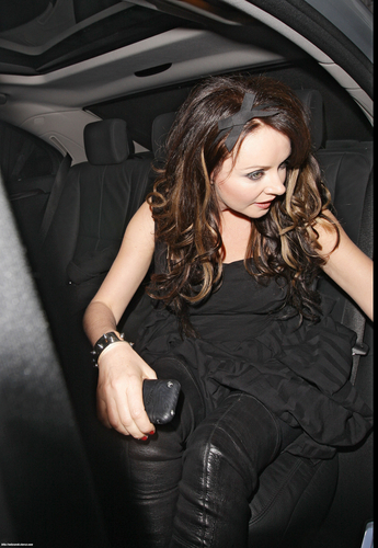 Сара Брайтман Обои with an automobile entitled Sarah Brightman