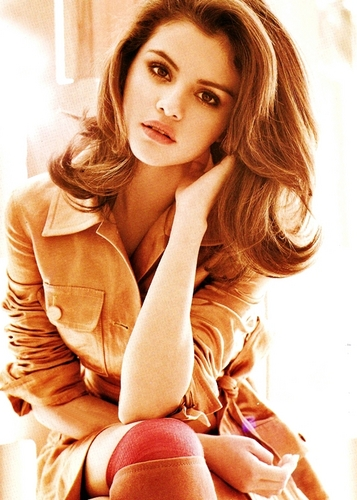 Selena - Elle (Mexico) - August 2011