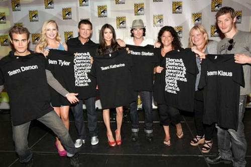 TVD Cast Show off Their T-Shirts at Comic-Con San Dieago 23rd July 2011