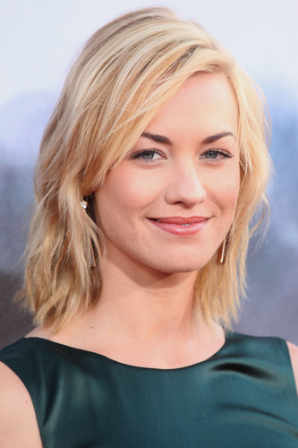 Yvonne Strahovski @ the Premiere of 'Cowboys & Aliens'