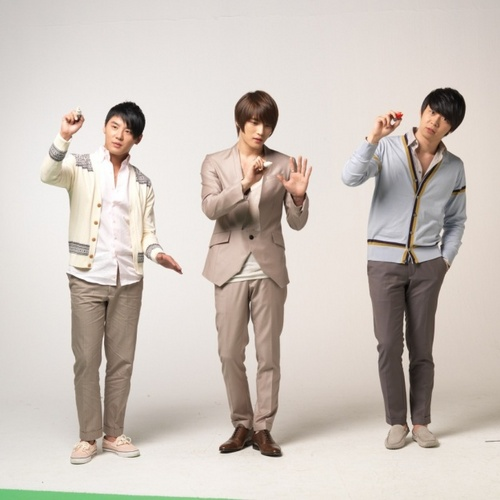 TVXQ!! 바탕화면 possibly with a well dressed person and a business suit titled jyj 4 ever