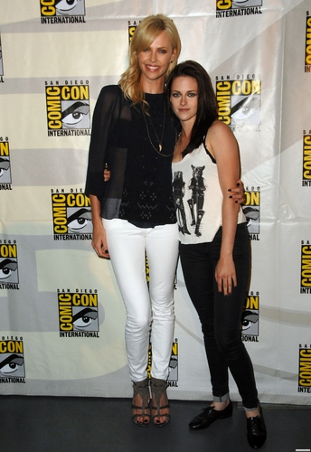 omic-Con 2011 'Snow White and the Huntsman ' Panel