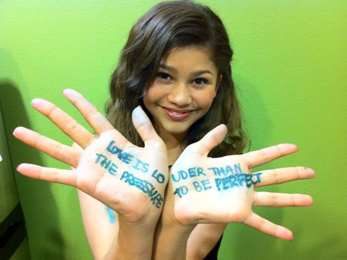 zendayas handwriting