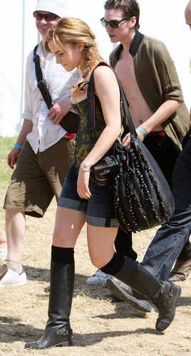 Emma Watson wolpeyper possibly with a hip boot called 2010 Glastonbury Music Festival in Somerset, England (25.06.10) [HQ]