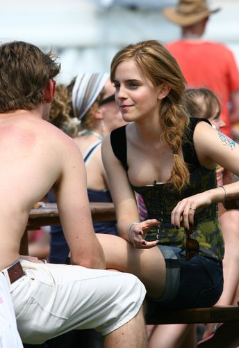 Emma Watson wallpaper titled 2010 Glastonbury Music Festival in Somerset, England (25.06.10) [HQ]