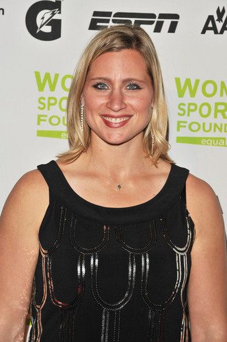 Angela @ 30th Annual Salute To Women In Sports Awards - 2009