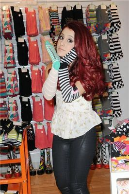 ariana grande wallpaper containing a hip boot entitled Ariana Grande