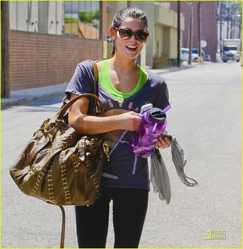 Ashley Greene: Moving In With Kellan Lutz?