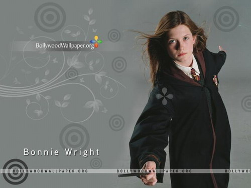 Bonnie Wright wallpaper containing a well dressed person titled Bonnie Wright