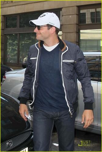 Bradley Cooper: Arthur Ashe Kids' araw tenis Player!