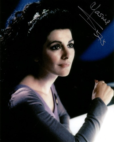 Star Trek-The Next Generation wallpaper probably with a portrait titled Deanna Troi