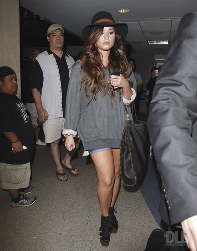 Demi - Arrives into LAX Airport - July 29, 2011