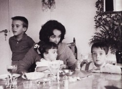 Elizabeth taylor images elizabeth with family wallpaper and background