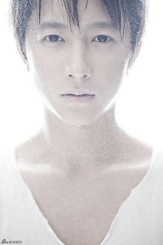"Hangeng/Hankyung (Ex-Super Junior) >> Album ""Wild Cursive"" Hangeng-hangeng-hankyung-24194221-333-500"