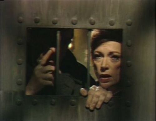 Dark Shadows fond d'écran probably with a holding cell titled Jonathan Frid and Grayson Hall