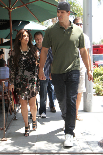 Kim And Kris Go To Lunch At II Tramezzino In Beverly Hills - 7/28/11