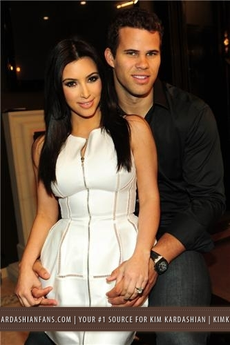 Kim & Kris' Engagement Party Hosted sa pamamagitan ng Khloe Kardashian - 6/2011