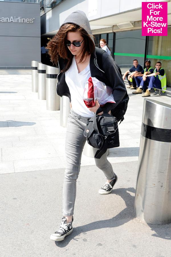 Kristen Stewart arrives In Londres to Shoot 'Snow White'