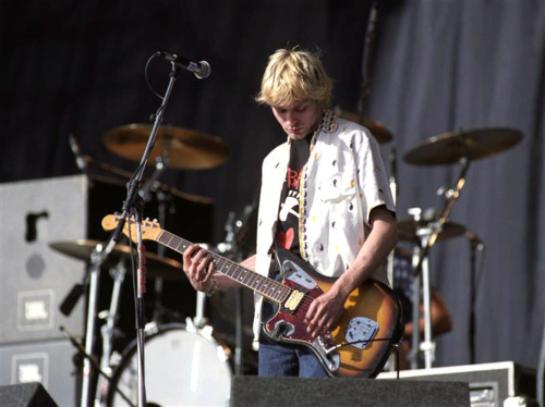 an analysis of the events surrounding the death of kurt cobain A timeline of nirvana events nirvana releases sliver: the best of the box sliver: the best of the box was the fourth nirvana album to be released following the death of lead singer and guitarist kurt cobain in april 1994.