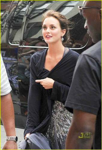 Leighton Meester and Penn Badgley hit the set of Gossip Girl on a hot dag in New York City