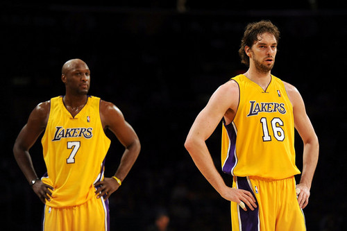 Los Angeles Lakers achtergrond probably containing a basketbal player and a dribbelaar, dribbler called Los Angeles Lakers