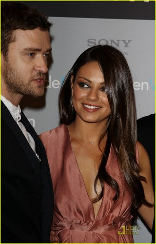 Mila Kunis & Justin Timberlake: 'Friends' in Berlin!