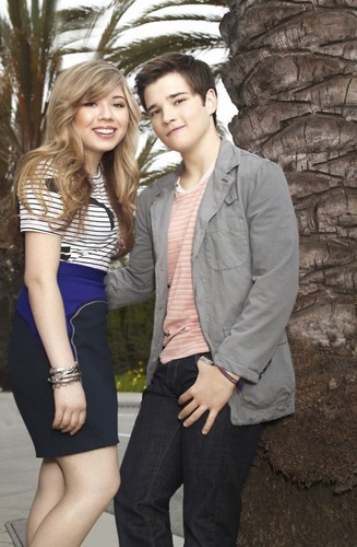 Sam and Freddie wallpaper possibly containing a business suit called Nathan & Jennette