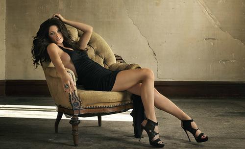 New Ashley Greene Photoshoot 由 John Russo!