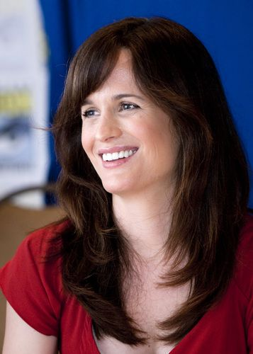 New photos of Elizabeth Reaser at Comic-con