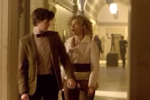 The Doctor and River Song karatasi la kupamba ukuta probably containing a business suit and a well dressed person called River and the Doctor