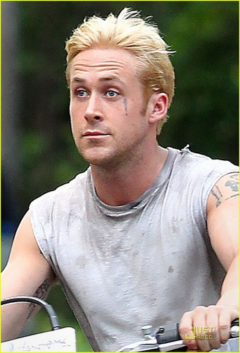 Ryan Gosling: Bleach Blond Hair!