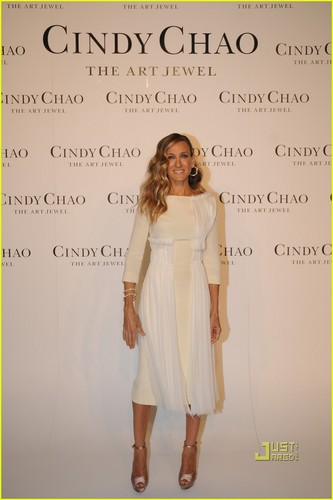 Sarah Jessica Parker: Cindy Chao Collection in Beijing!
