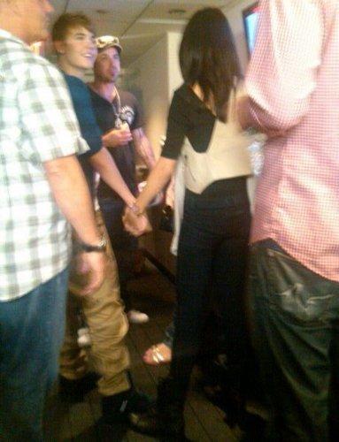 Selena And Justin = JELENA <3