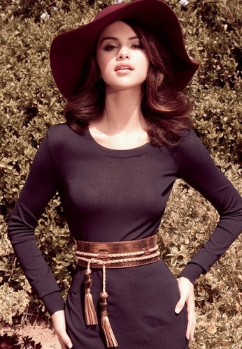 Selena Elle Mexico August 2011 Photoshoot