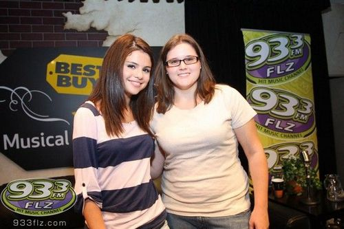 Selena - Meet & Greet At 93.3 FLZ - July 30, 2011
