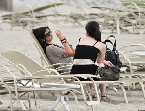 Selena - On the beach in Palm Beach - July 27, 2011