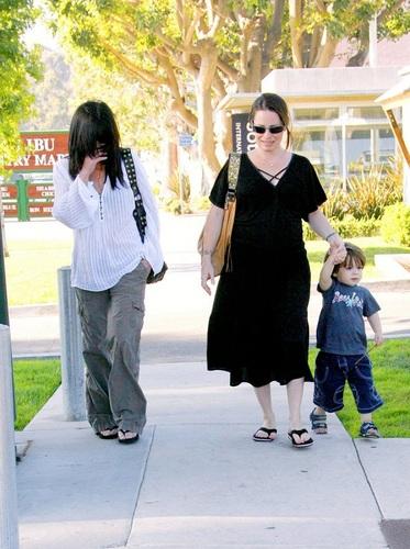Shannen, houx & Finley in Malibu 24.8.06