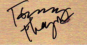 baciare Guitarists wallpaper called Tommy Thayer Autograph ^_^ ♥
