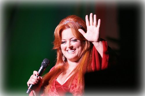 Wynonna Judd wallpaper possibly containing a portrait titled Wynonna