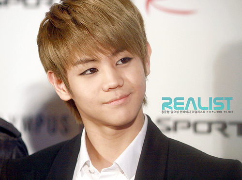 http://images4.fanpop.com/image/photos/24100000/Yoseob-men-of-kpop-24175833-500-371.jpg