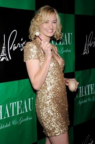 Yvonne Strahovski @ the kastilyo Nightclub & Gardens (30/07/11)