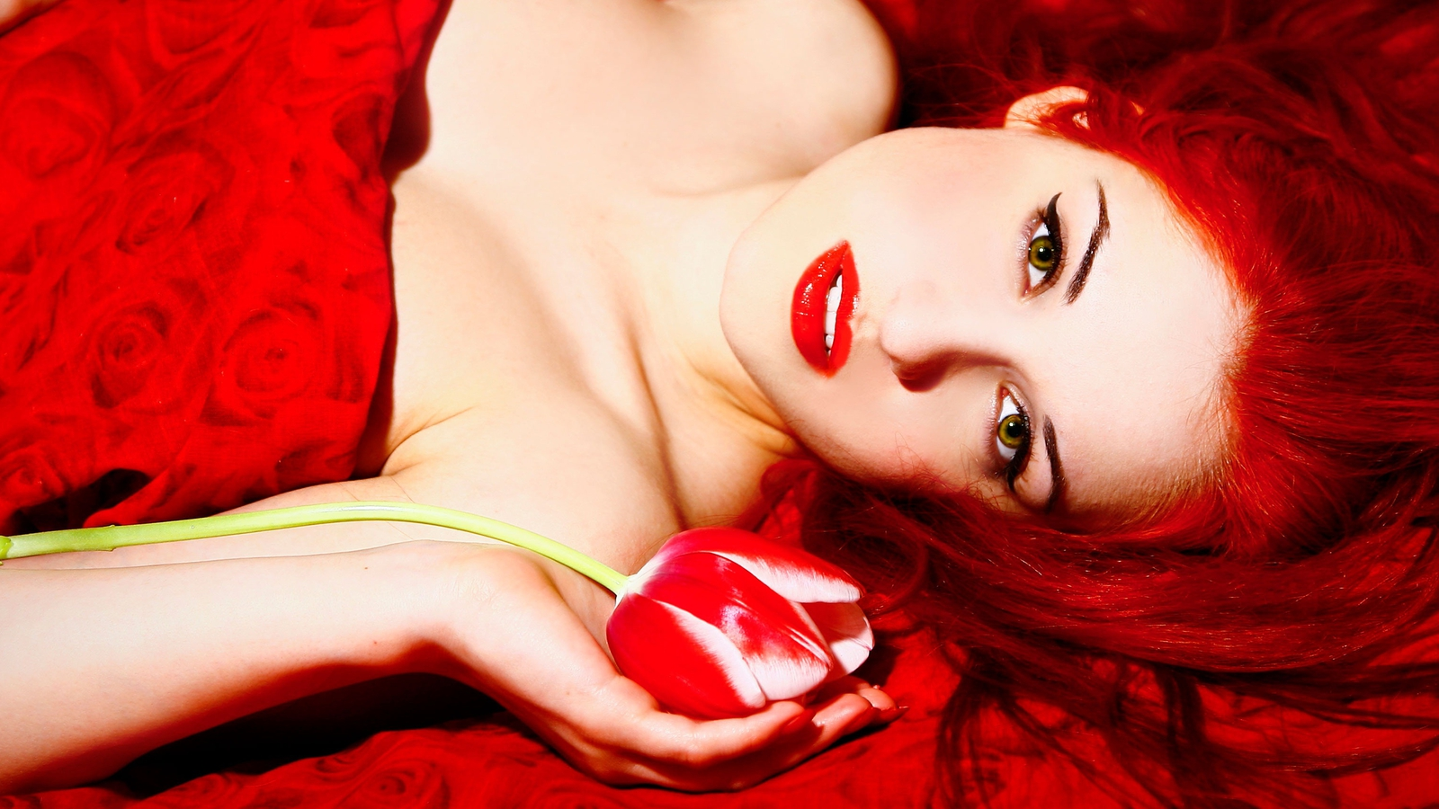 Фото страстные рыжих девушек