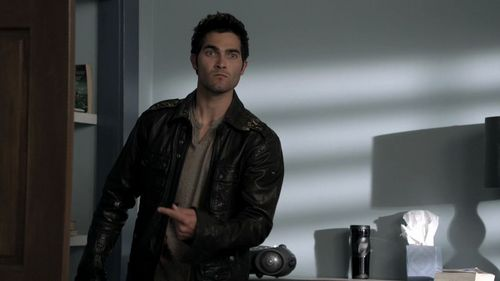 Tyler Hoechlin wallpaper probably with a well dressed person, a business suit, and an overgarment titled Teen Wolf 1x09-Wolf's Bane