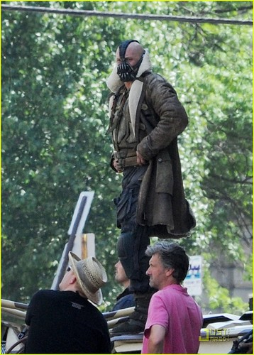 tom Hardy On Set as Bane in The Dark Knight Rises